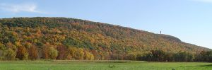 "Talcott Mountain on the Metacomet Trail — courtesy of Wikimedia Commons and ""Jehochman"""