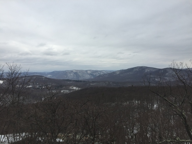 Bull Hill (right) and cliffs south of Storm King Mountain (center) from Round Hill