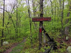 Devil's Den trail sign